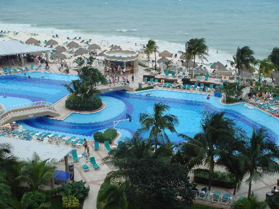riu caribe swim up bar dec 07 picture of hotel riu. Black Bedroom Furniture Sets. Home Design Ideas