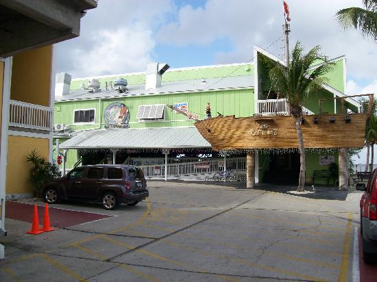 Fishermen's Village Resort : Restaurants/Bars in complex