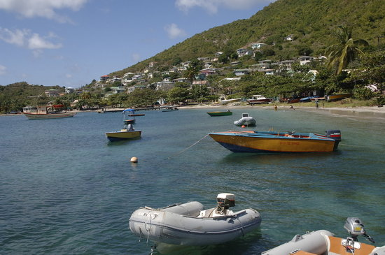 Bequia : Boats at Hamilton