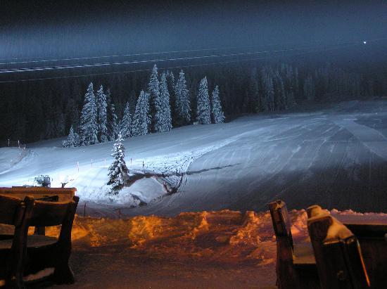 Hotel Plan de Gralba: PIZ SELLA Gondola at night