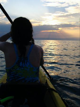 Glover's Atoll Resort: Kayaking Around The Patch Reefs