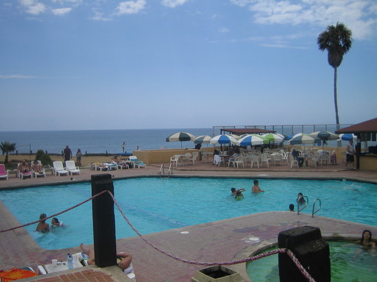 New Port Beach Hotel - Spacious Pool with a view!