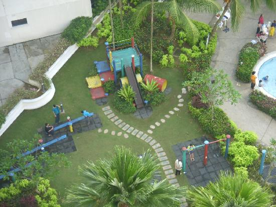 Everly Resort: Playground for the kids