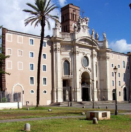 Basilica di Santa Croce in Gerusalemme: Facade of basilica Santo Croce in Gerusalemme