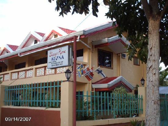 Tawala, Filipinas: Cherrys Home
