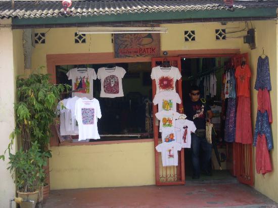 Jonker Street: Hand-painted batik shop
