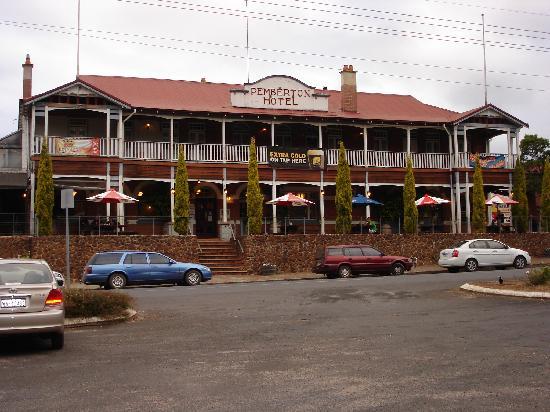 Best Western Pemberton Hotel Exterior
