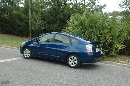 Lake Wales, FL: Our car at the white line of Spook Hill