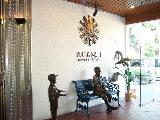 Acasol Hotel: The Entrance