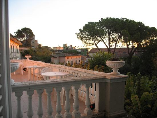 Hotel Alexander Palme: View of Chianciano Terme from our room window
