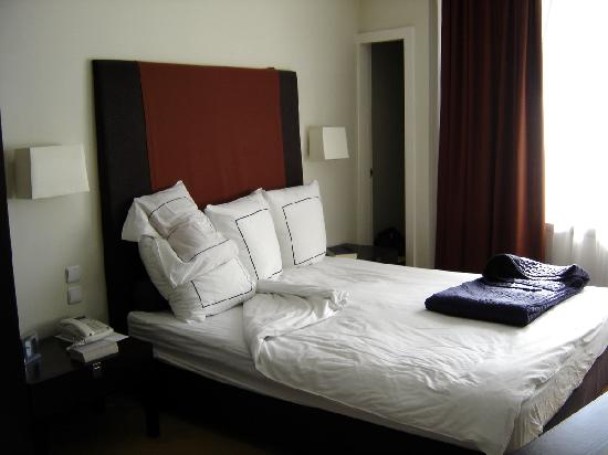 Sea Executive Suites: Very comfortable (firm) bed