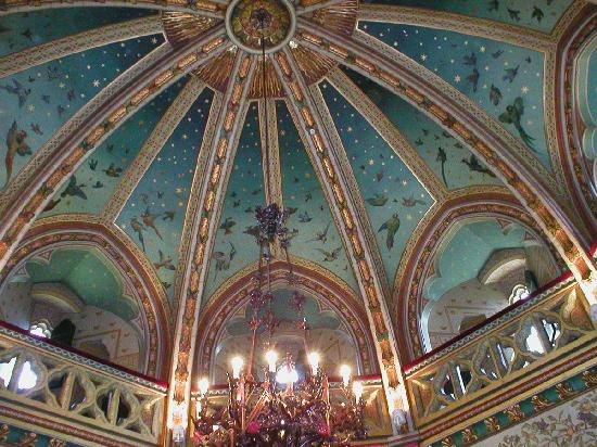 Castell Coch : Inside - a painted ceiling
