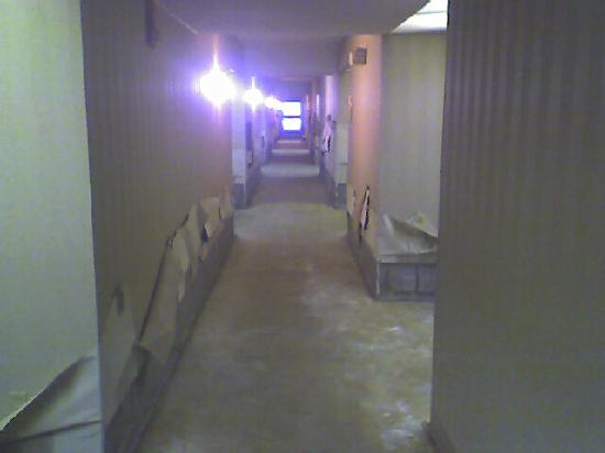 Comfort Inn Farmington Hills: First floor left in shambles