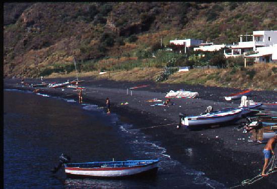 La Locanda del Barbablu: La spiaggia di Scari