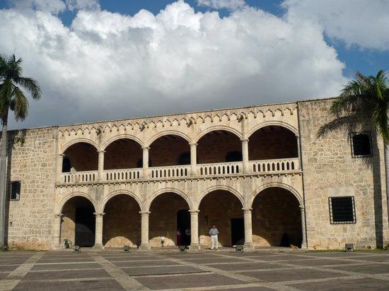 Santo Domingo, República Dominicana: Alcazar's Exterior