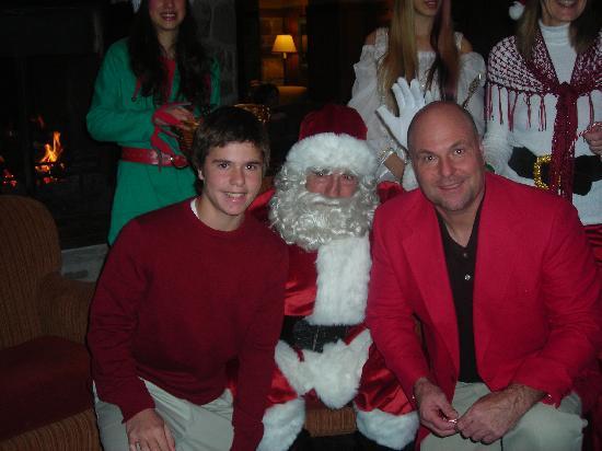 Fairmont Tremblant: Chrismas eve with Santa in lobby