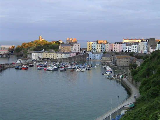‪تينبي, UK: Tenby at sunset‬
