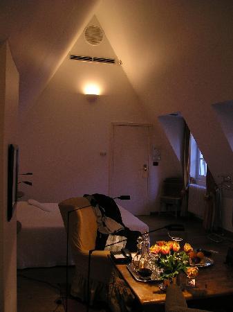 SLH De Witte Lelie Antwerp: Room Interior