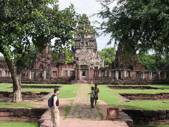 Phi Mai - Picture of Prasat Hin Phimai (Phimai Historical Park), Nakhon Ratch...