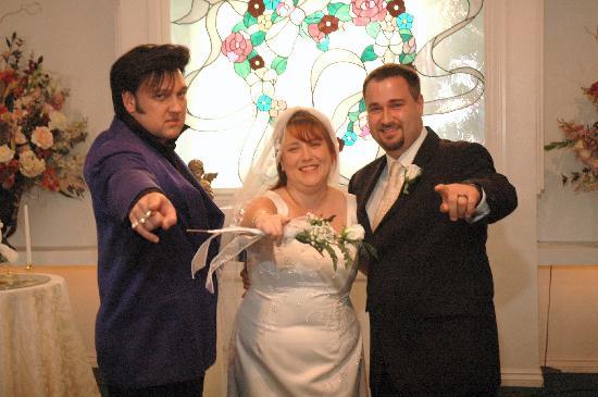 Cupids Wedding Chapel The Newlyweds