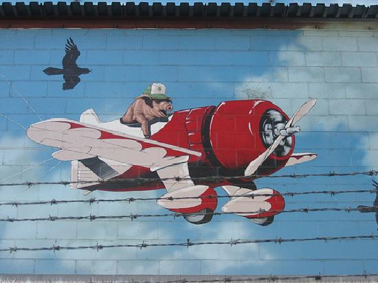 Farmer John's Murals at the Clougherty Packing Company : When Pigs Fly!