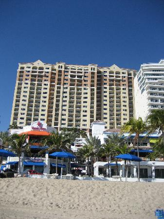 Marriott's BeachPlace Towers: view of front of hotel from beach