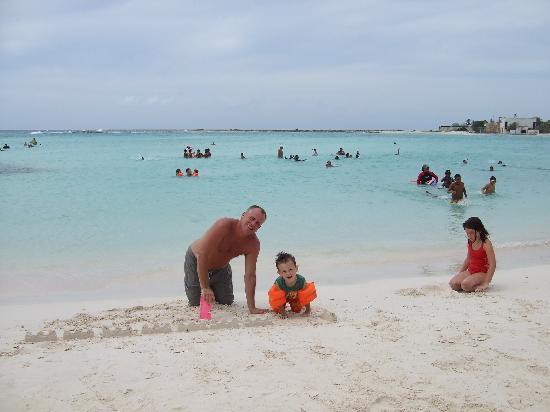 Casa Del Mar Beach Resort: baby beach - about 20 minute drive