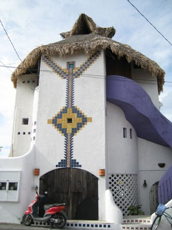 Amaranto Bed and Breakfast: Amazing tower structure