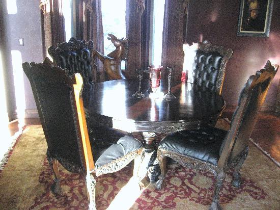 Arrowhead Manor: Dining Room