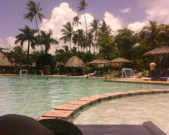 Outrigger Fiji Beach Resort: The Resort Pool