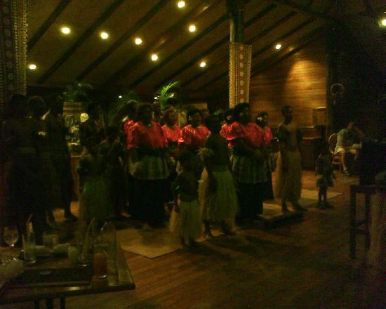 Outrigger Fiji Beach Resort: The Fijian Dance Team during Dinner
