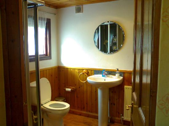 Gruinard Guest House: Bathroom