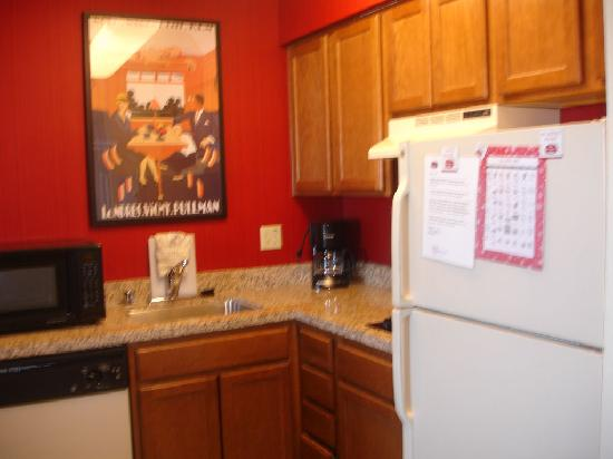 Residence Inn Denver West/Golden: Kitchen