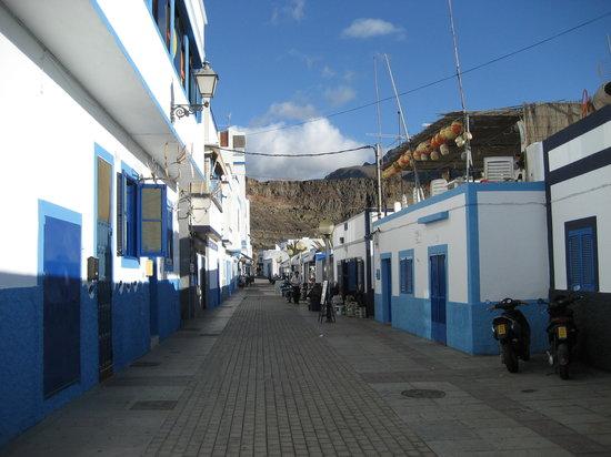 Puerto de las Nieves, Spania: a street in  Peurto de las Nieves