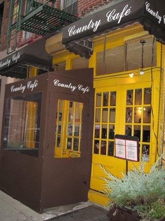 Photo of French Restaurant Vin Et Fleurs at 69 Thompson St, New York, NY 10012, United States