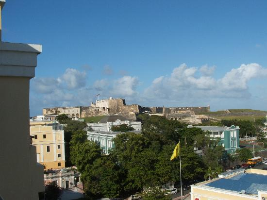 Sheraton Old San Juan Hotel: view of fort from balcony