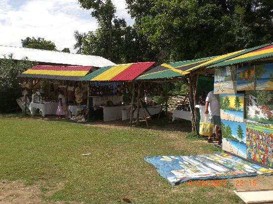 Sandals Ochi Beach Resort: Craft sale each Friday