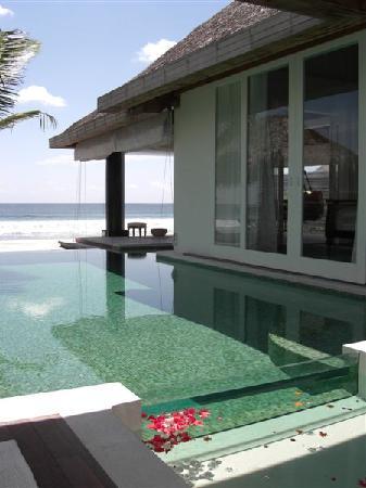 Naladhu Private Island Maldives: pool/bedroom exterior