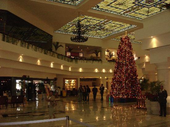 moon palace cancun sunrise lobby christmas time