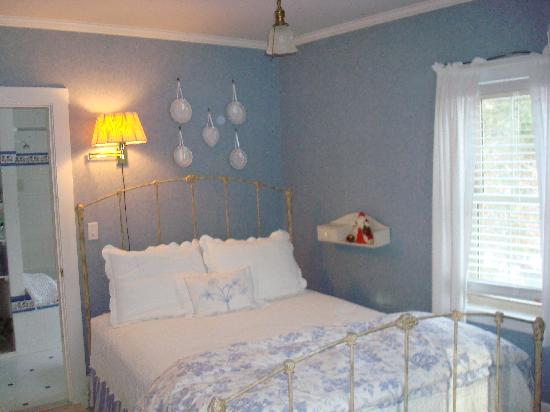 1802 House Bed and Breakfast: The York Room