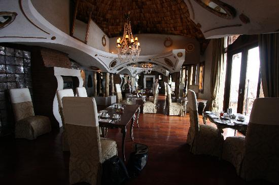 andBeyond Ngorongoro Crater Lodge: The dining area