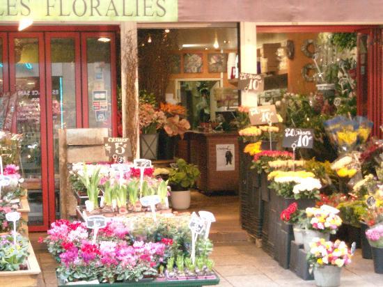 Rue Cler Flower Market