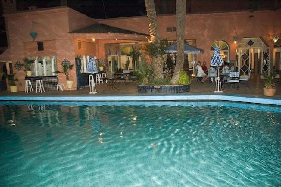 Hotel de la Menara: Pool at night