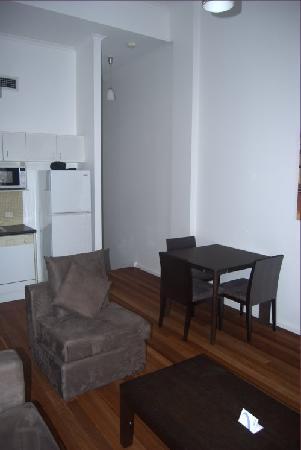 Oaks Goldsbrough Apartments: Dining room