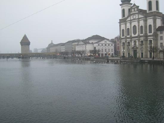Hotel Falken - Luzern: Lucern and the Christmas fog of '07.  I hear that there are mountains in the distance......