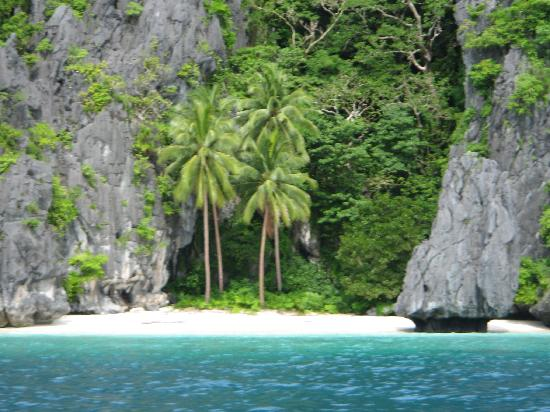 El Nido Resorts Miniloc Island: pagalusian beach by elnido