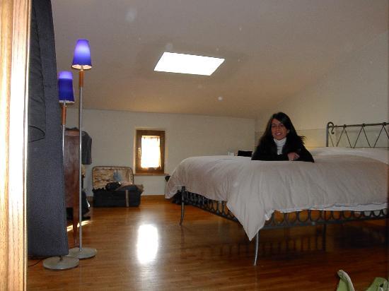 Palazzo a Merse B&B: B&B Palazzo a Merse: letto in ferro battuto