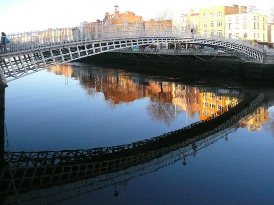 Dublin, Írsko: HA'PENNY BRIDGE