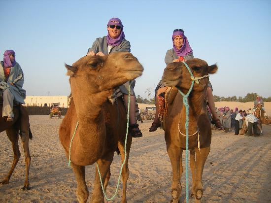 Hôtel Kanta : CAMEL RIDING IN THE DESERT