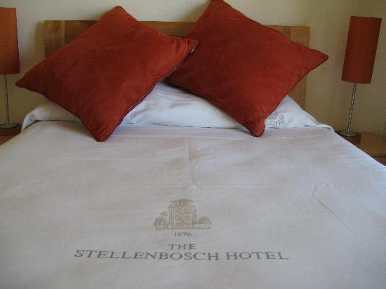 Stellenbosch Hotel: Bed